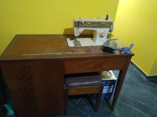 Máquina de costura singer - Foto 4
