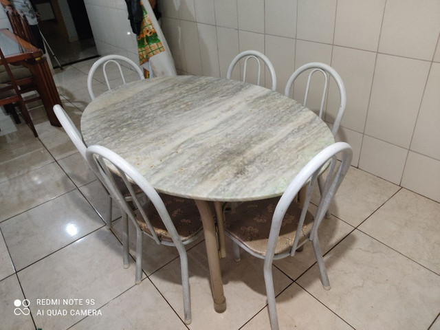 Vendo mesa de 6 cadeiras  - Foto 3