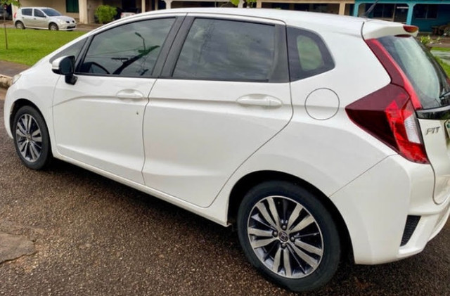 Honda Fit automático 2015 LX 1.5 - Foto 3