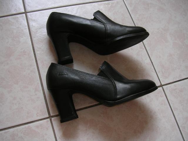 e59f6c55e9 Sapato Fechado Social Comfort Dakota Pouco Uso Salto Novo - Roupas e ...