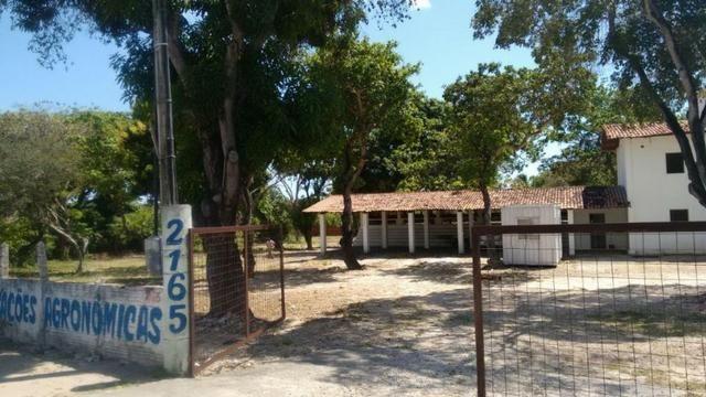 TE0409 Terreno na Avenida Washington Soares, 9.035m² na pista, casa duplex - Foto 4
