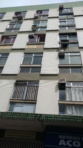 Apartamento 2 quartos com dep. empregada, excelente localização