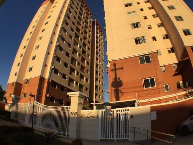 Vendo apartamento no Condomínio Le Boulevard, na Av. Augusto Franco