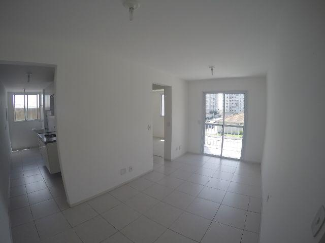 Excelente apartamento Villaggio Laranjeiras, 2 quartos com suíte
