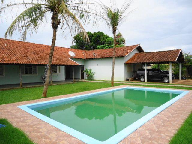 Belíssima casa com piscina na Nova Campo Grande