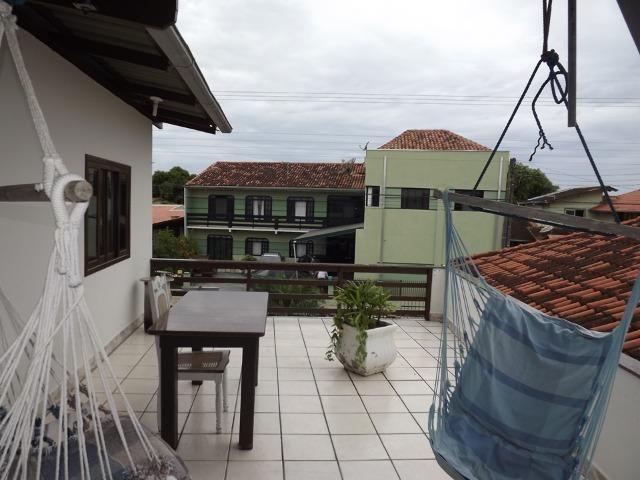 Sobrado central na Praia c/ 03 suítes mais 04 dormitórios! Ideal para aluguel de quartos - Foto 17