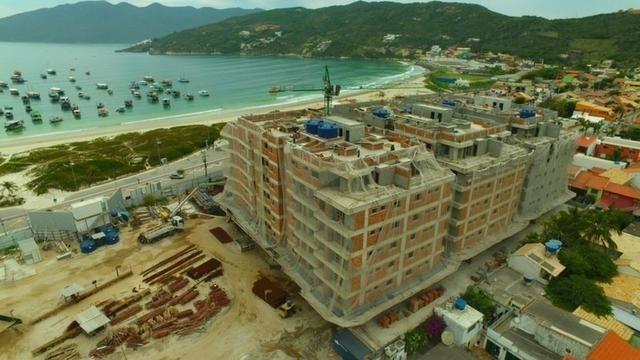 Frente ao mar espetacular 02 e 03 quartos com 03 suites e Coberturas Praia dos Anjos - Foto 2