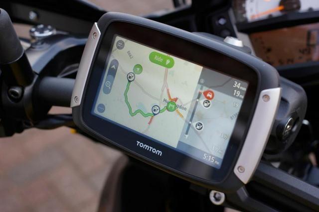 GPS Tomtom Rider 400 a prova de água com atualização vitalícia Com Brinde