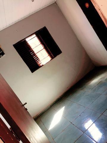 Vendo casa kit net no bairro dr Fábio 1 - Foto 2