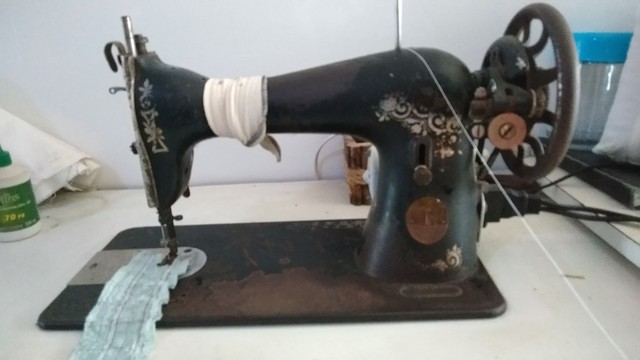 Máquina de costura reta - Singer - Foto 4