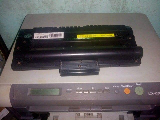 Impressora laser Samsung  scx4200 c/cartucho. - Foto 2