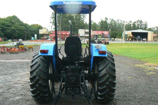 Trator New Holland TL 75 E 4x4 ano 09 - Foto 2