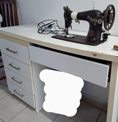 Máquina de costura reta - Singer