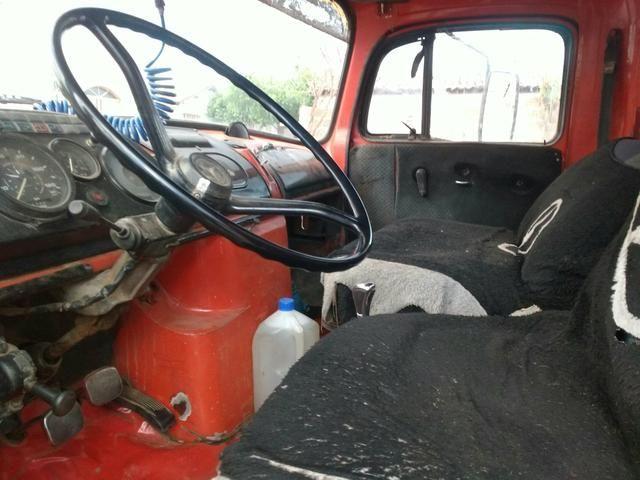 Caminhão Caçamba 1113