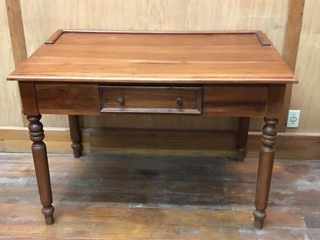 Movel mesa de cabeceira