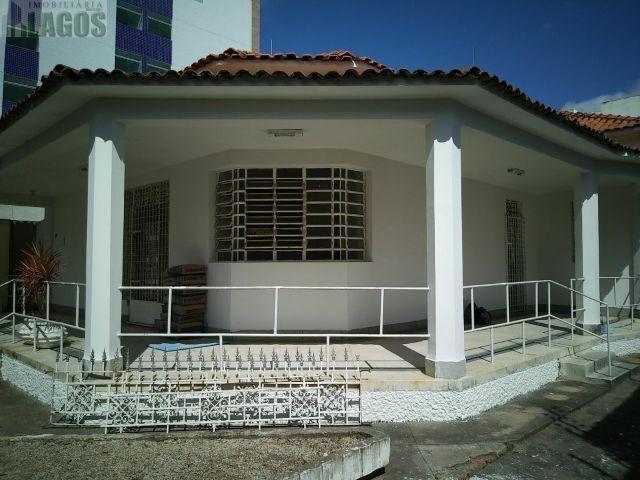 Excelente casa para fins comerciais no coração de Caruaru