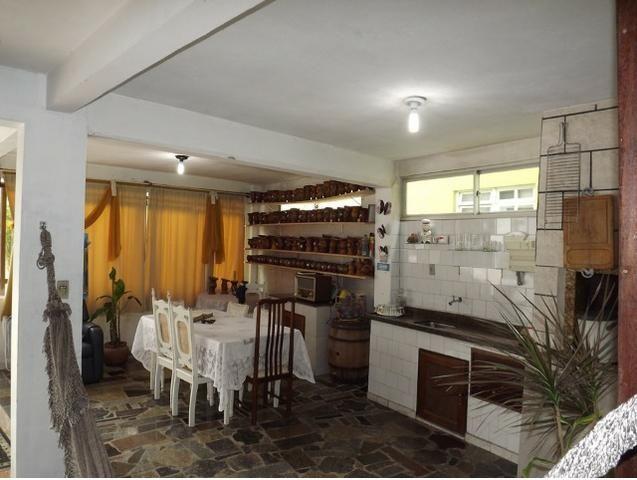 Sobrado central na Praia c/ 03 suítes mais 04 dormitórios! Ideal para aluguel de quartos - Foto 16