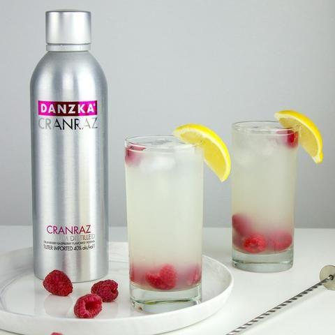 Vodka Dinamarquesa Danzka 1 litro Garrafa Alumínio Original e Sabores !