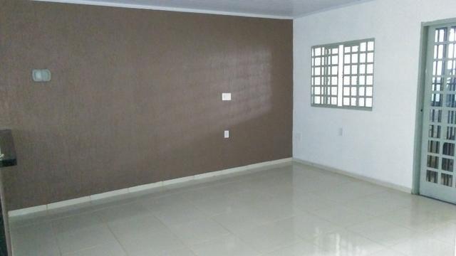 Vendo casa em Águas Lindas, com 3 Quartos, 2 Ban. / 2 Gar. + 2 Kits, independentes - Foto 4