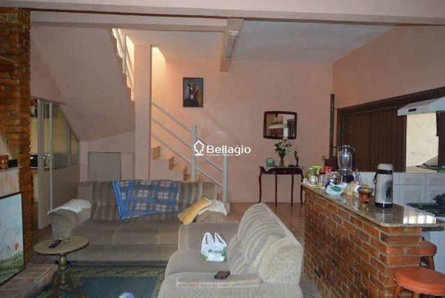 Casa com 4 dormitórios, vaga para 3 automóveis, hidromassagem e piscina - Foto 3
