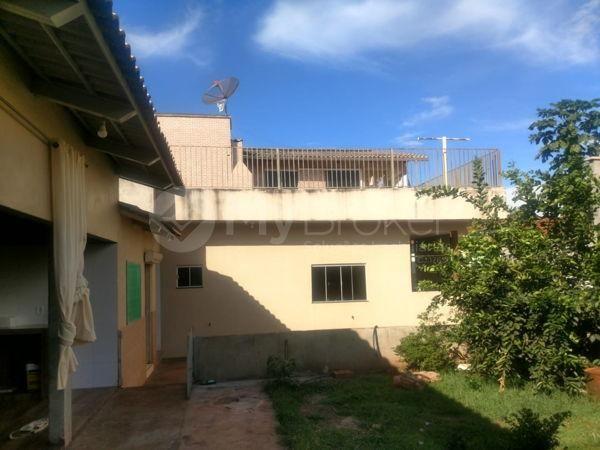 Casa sobrado com 6 quartos - Bairro Setor Central em Palmeiras de Goiás - Foto 15