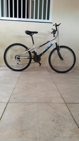 Uma bicicleta caloi