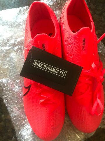Chuteira Nike Mercurial Profissional - Foto 2