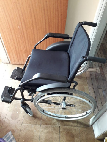 Cadeira de Rodas - Foto 4