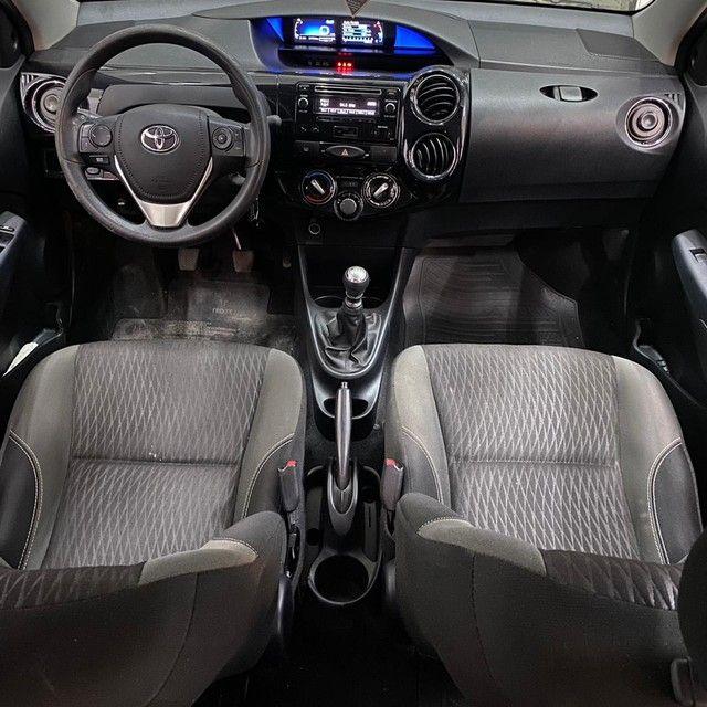 Toyota Etios XS 1.5 Sedan 2018 - Foto 4