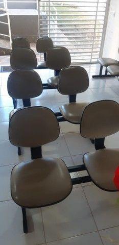 Longarina com 5 assentos R$ 800,00 - Foto 2