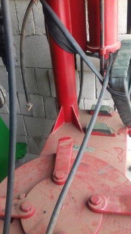 Desmontadora de pneus da marca Eldmont  R$  2.900,00 - Foto 4