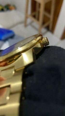 Vendo relogio movado bold dourado  - Foto 5