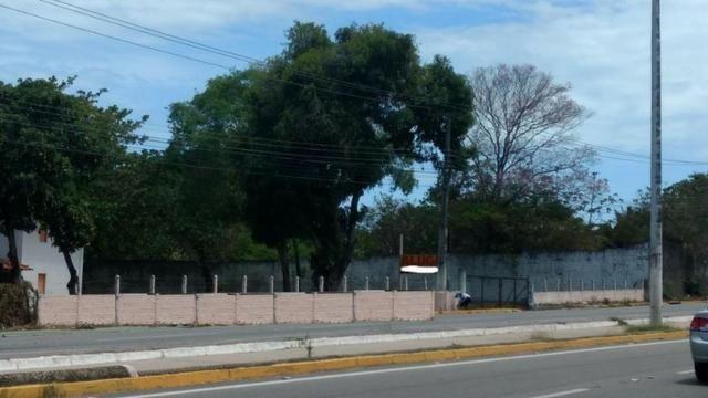 TE0409 Terreno na Avenida Washington Soares, 9.035m² na pista, casa duplex - Foto 3