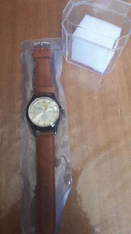 aadace17d64 Lindos relógios pulseira em couro - Bijouterias