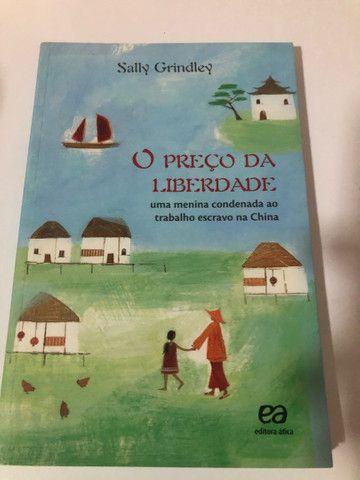 Livro paradidático O PREÇO DA LIBERDADE uma menina condenada ao trabalho escravo na China  - Foto 2