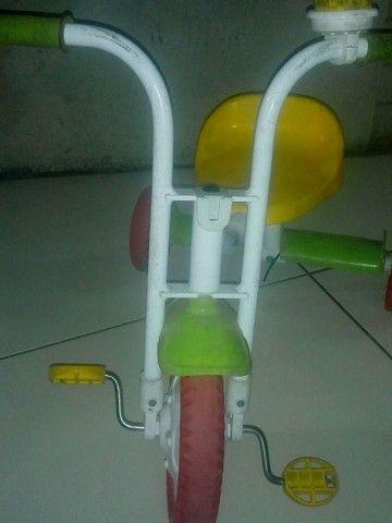 Vende-se bicicleta infantil triciclo - Foto 2