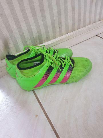 Chuteira adidas  - Foto 2