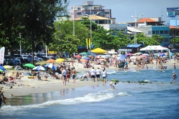 Ótimo sobrado para temporada na praia de Enseada - SC - Foto 9