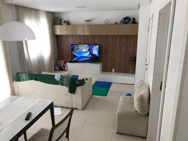 Apartamento 2 suítes no Itaigara