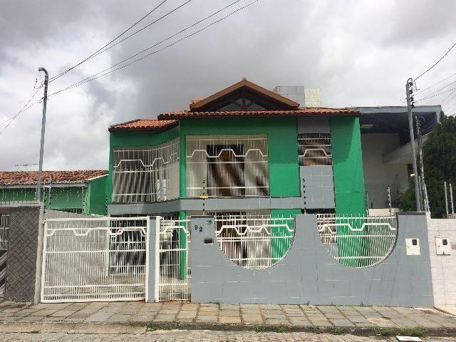 Residencia Duplex no Bairro Catole