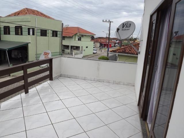 Sobrado central na Praia c/ 03 suítes mais 04 dormitórios! Ideal para aluguel de quartos - Foto 12