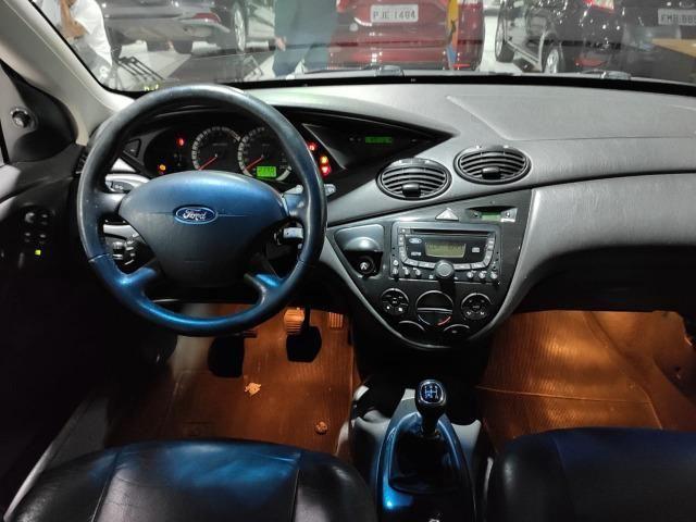 Ford Focus Hatch Ghia 2.0 16V Duratec Gasolina Manual - Foto 4