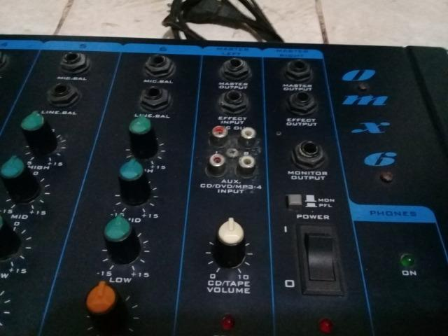 Mesa de Som Oneal OMX 6 Mixer Line 6 Canais - ótima para igreja