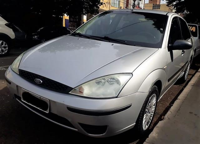 FORD FOCUS 2005/2005 1.6 GLX SEDAN 8V GASOLINA 4P MANUAL