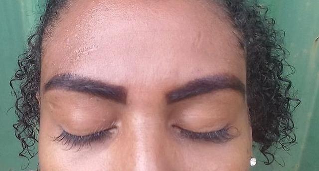 Design de sobrancelhas - Foto 2