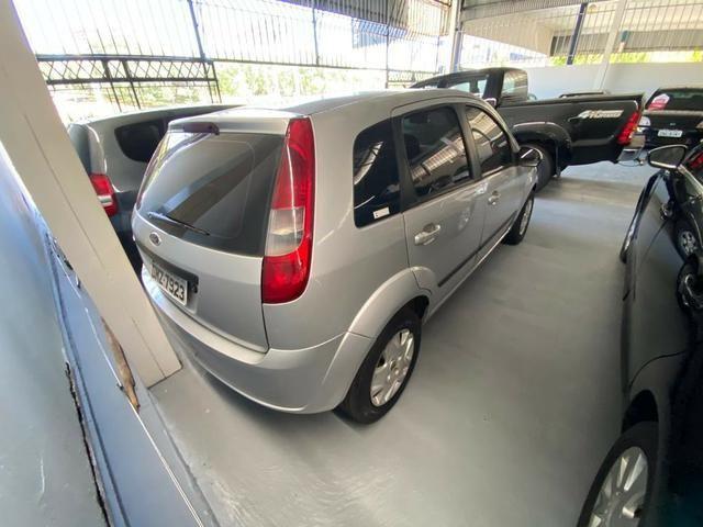 Ford Fiesta Hatch 1.6 - Foto 3