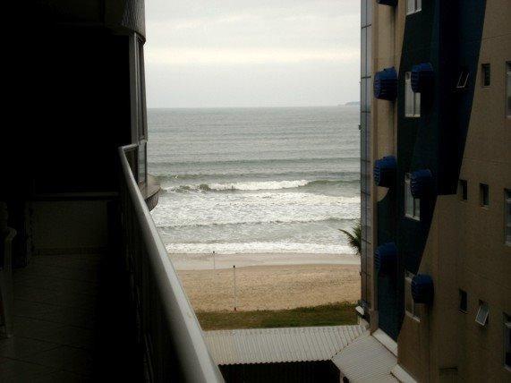 Apartamento 2 quartos vista para praia climatizado - Foto 2