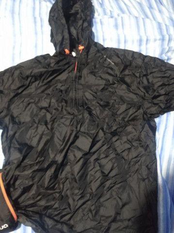 Jaqueta Impermeável Para Chuva - Quechua tamanho M - Foto 3