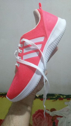 Vendo tênis feminino rosa pink