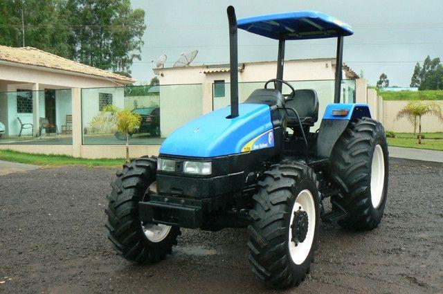 Trator New Holland TL 75 E 4x4 ano 09 - Foto 3